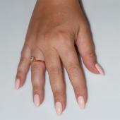 Χειροποίητο δαχτυλίδι μονόπετρο από επιχρυσωμένο ασήμι 925ο με ημιπολύτιμες πέτρες (ζιργκόν) IJ-010478-G φορεμένο στο χέρι