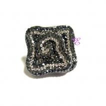 Loisir | Ασημένια καρφίτσα - μενταγιόν Loisir από επιπλατινωμένο ασήμι 925ο με ημιπολύτιμες πέτρες (Κρύσταλλοι Quartz). [06L01-00388]