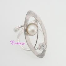 Χειροποίητο δαχτυλίδι (Οβάλ) από επιπλατινωμένο ασήμι 925ο με ημιπολύτιμες πέτρες (Πέρλες και Ζιργκόν). IJ-010403