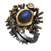 Χειροποίητο ασημένιο δαχτυλίδι Enigma με μαύρη και χρυσή επιμετάλλωση και ημιπολύτιμες πέτρες (λαμπραδορίτης και ζιργκόν) Enigma-ER-14