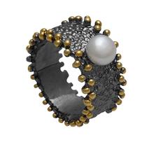 Χειροποίητο ασημένιο δαχτυλίδι Enigma με μαύρη και χρυσή επιμετάλλωση και ημιπολύτιμες πέτρες (πέρλες) Enigma-ER-30