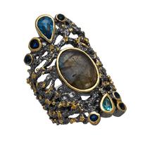Χειροποίητο ασημένιο δαχτυλίδι Enigma με μαύρη και χρυσή επιμετάλλωση και ημιπολύτιμες πέτρες (γκρι χαλαζίας και ζιργκόν) Enigma-ER-45