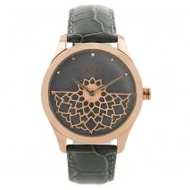 Oxette ρολόι 11X65-00184 από ανοξείδωτο ατσάλι με ροζ χρυσή επιμετάλλωση στην κάσα και δερμάτινο λουράκι.