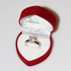 Χειροποίητο δαχτυλίδι μονόπετρο από επιπλατινωμένο ασήμι 925ο με ημιπολύτιμες πέτρες (ζιργκόν) IJ-010482-S στο κουτί συσκευασίας