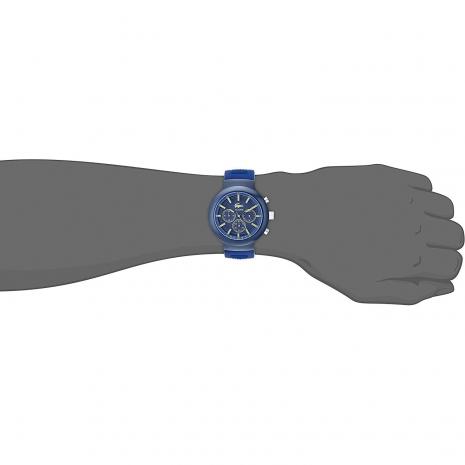 Lacoste Ρολόι από σκούρο μπλε ανοξείδωτο ατσάλι με μπλε λουράκι από καουτσούκ 2010797 στο χέρι