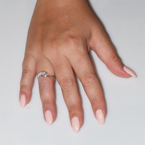 Χειροποίητο δαχτυλίδι μονόπετρο από επιπλατινωμένο ασήμι 925ο με ημιπολύτιμες πέτρες (ζιργκόν) IJ-010483-S φορεμένο στο χέρι